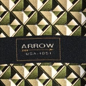 Arrow Men's tie New with Tags Olive green
